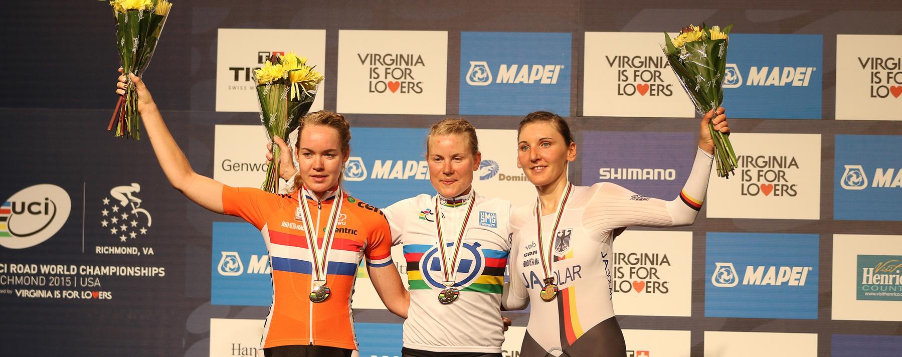 Podium WK-tijdrijden 2015: nr 1 Linda Villumsen nr 2 Anna van der Breggen nr 3 Lisa Brennauer